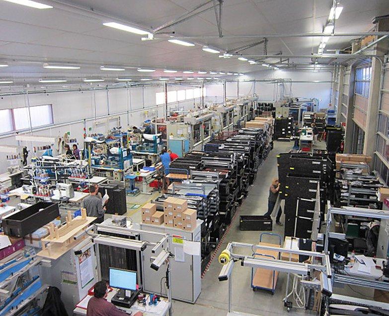vyroba hala produkce